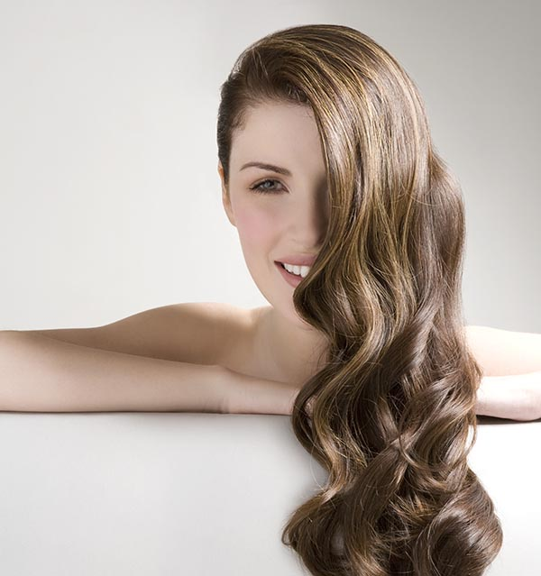 Coiffeur-Grabs-Make-up